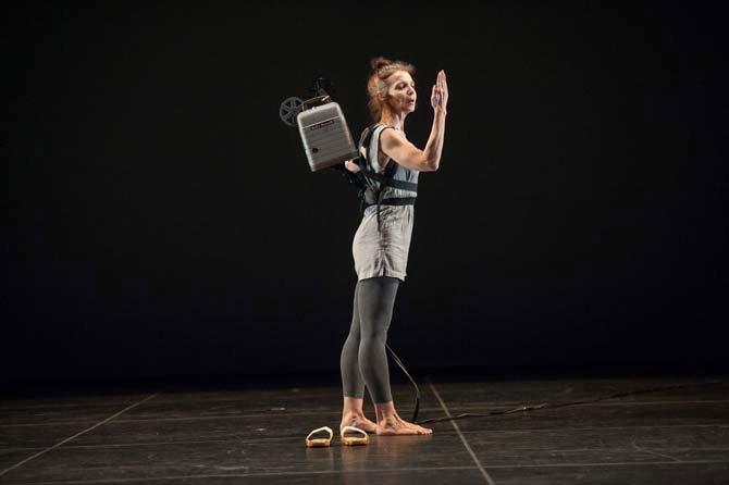 Déferlante Trisha Brown - Critique sortie Danse Paris Théâtre de la Ville