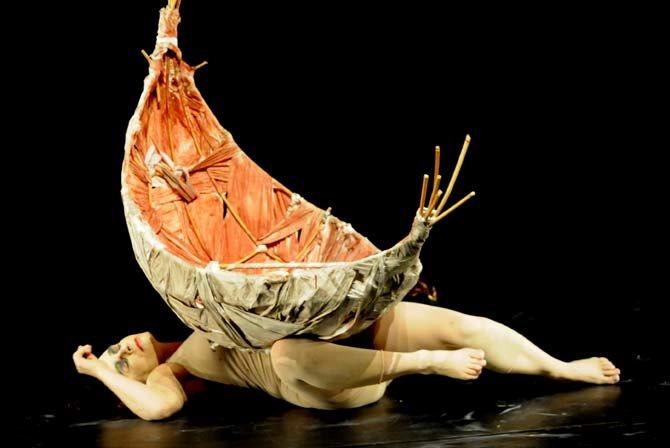 Ilka Schönbein et Laurie Cannac / Un poisson-clown amoureux - Critique sortie Théâtre Paris Le Grand Parquet