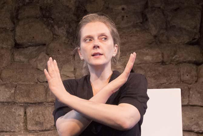 C'est provisoire - Critique sortie Théâtre Paris Essaïon