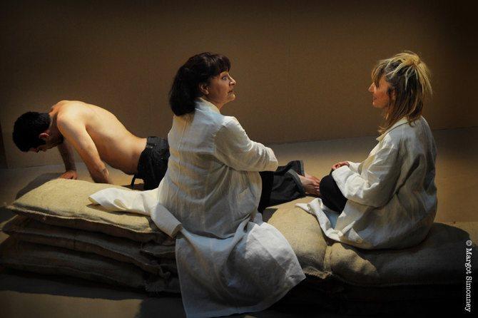 Yes, peut-être - Critique sortie Théâtre Paris _Le Lucernaire