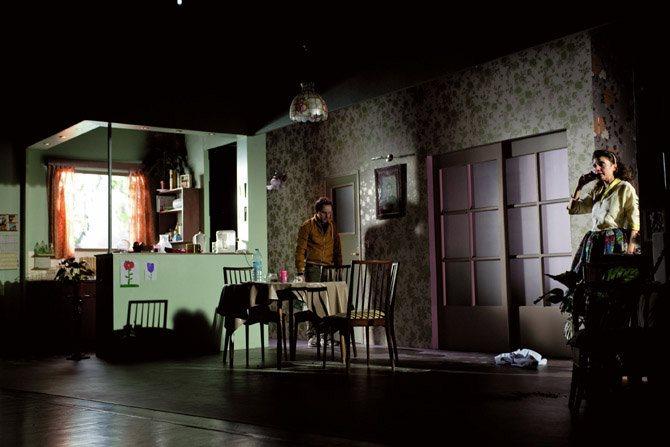 Elle brûle - Critique sortie Théâtre Paris Théâtre national de la Colline.