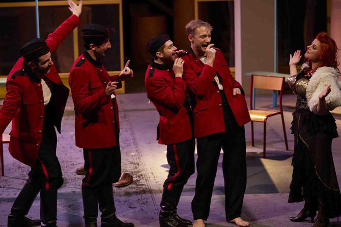 Homme pour homme - Critique sortie Théâtre Paris Theatre de la R