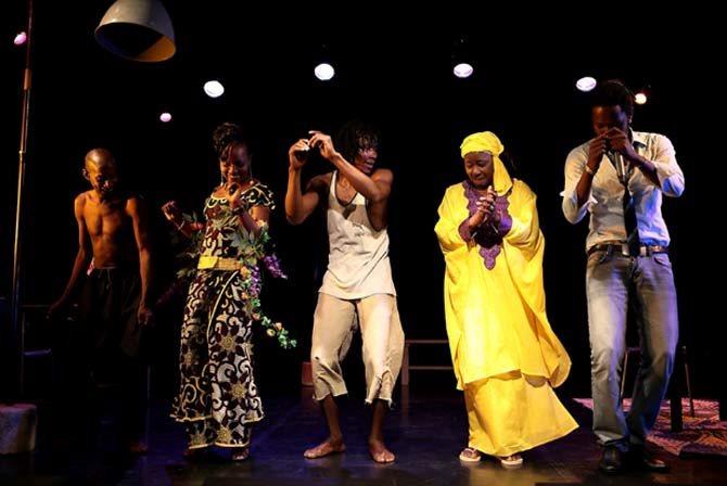LES AFRIQUES SONGO LA RENCONTRE / ALA TE SUNOGO, DIEU NE DORT PAS - Critique sortie Jazz / Musiques Paris Le Grand Parquet