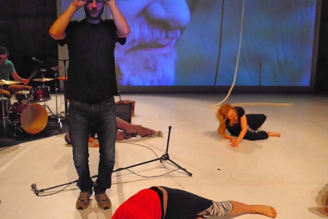Propos recueillis / Christophe Rulhes - Critique sortie Cirque Vire CDR de Basse-Normandie