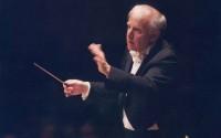 Leonard Slatkin vient d'enregistrer La Valse de Ravel, dans le deuxième volume de son intégrale Ravel chez Naxos qui présente aussi la somptueuse et rare orchestration de Gaspard de la nuit réalisée par Marius Constant.