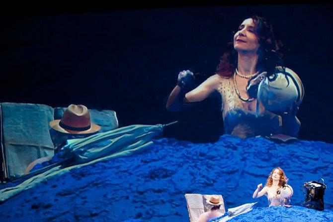 Glückliche Tage  (Oh les beaux jours) - Critique sortie Théâtre Paris Théâtre national de la Colline.
