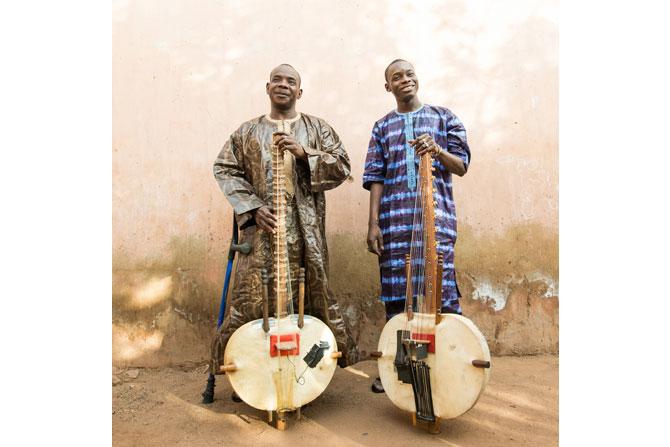 Toumani & Siki Diabaté - Critique sortie Jazz / Musiques Paris Théâtre des Bouffes du Nord