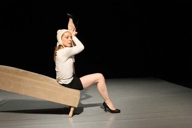 Coco, solo pour une femme seule et le prince charmant - Critique sortie Avignon / 2014 Avignon La Manutention