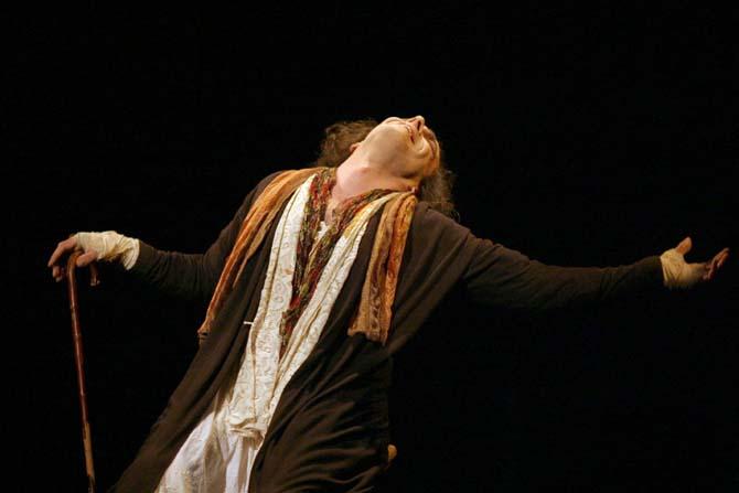 Un homme qui cultive l'art véritable - Critique sortie Avignon / 2014 Avignon Théâtre des Halles