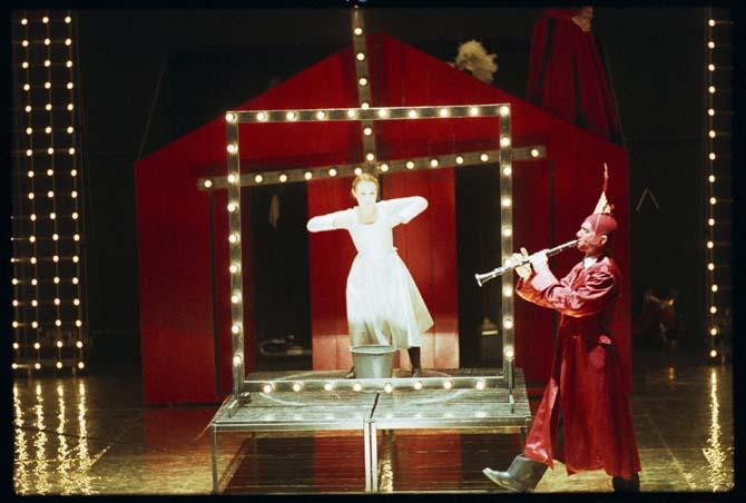 La jeune fille, le diable et le moulin - Critique sortie Avignon / 2014 Avignon Chapelle des pénitents blancs