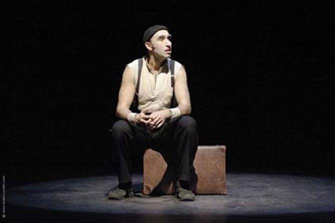 Monologue avec valise - Critique sortie Avignon / 2014 Avignon THEATRE LA LUNA Avignon off