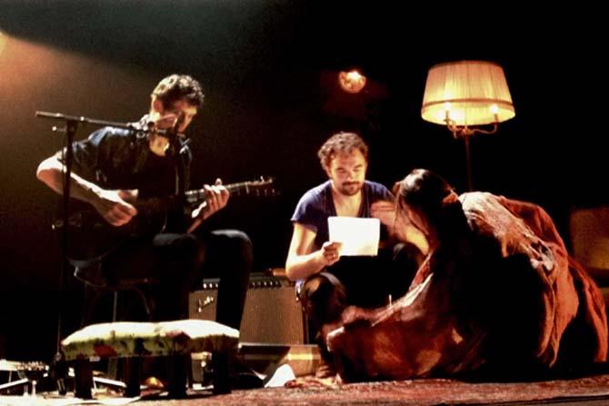 Sur la route - Critique sortie Avignon / 2014 Avignon Théâtre de la condition des soies