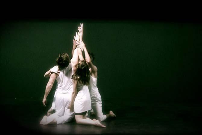 Tant qu'il y a les mains des hommes - Critique sortie Avignon / 2014 Avignon Théâtre La Luna