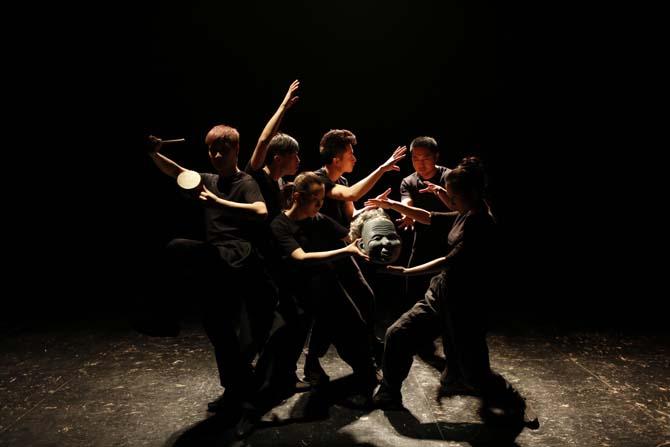 Trois compagnies chinoises dans le festival Off - Critique sortie Avignon / 2014 Avignon Collège de la Salle