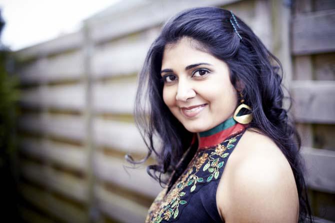 New yorkaise d'origine indienne, Kavita Shah fait dialoguer, dans son premier album « Visions » (chez Naïve), tablas et quintette de jazz. CR. DR.