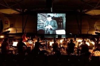 Le Caratini Jazz Ensemble joue en live un ciné concert au Balzac, Body and Soul. © Anne Magouet