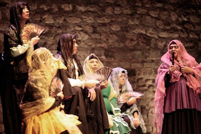 El Retablillo de Don Cristobal / El Corral de Bernarda - Critique sortie Théâtre Paris Théâtre 13 - Seine