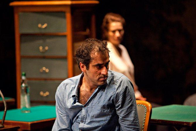 Rodolphe Dana / Jouer collectif - Critique sortie Théâtre Nantes Le Grand T