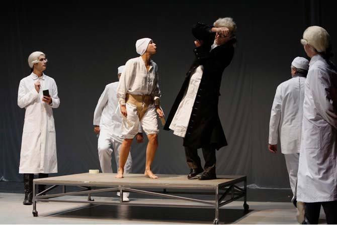 Vie de Gundling Frédéric de Prusse Sommeil rêve cri de Lessing - Critique sortie Théâtre Genève Comédie de Genève