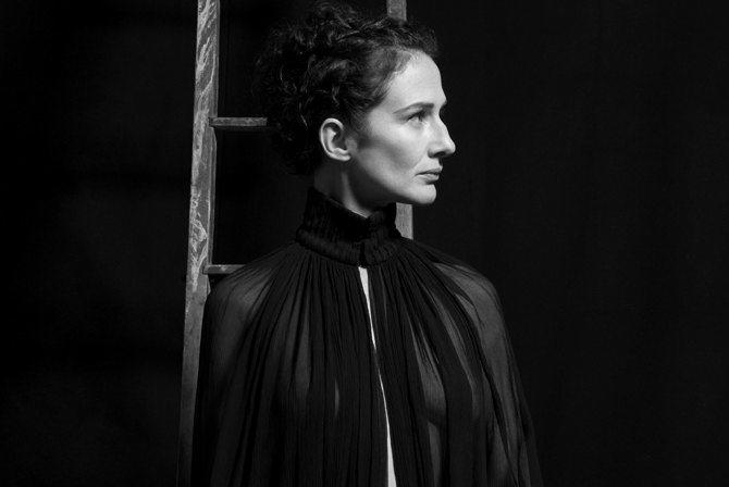 Claire Diterzi « 69 battements par minute » - Critique sortie Jazz / Musiques Paris Théâtre des Bouffes du Nord