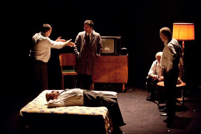 LA GRANDE ET FABULEUSE HISTOIRE DU COMMERCE - Critique sortie Théâtre Montigny-le-Bretonneux __Théâtre de Saint-Quentin en Yvelines