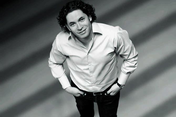 Gustavo Dudamel dirige la Cinquième symphonie de Beethoven avec ses jeunes musiciens vénézuéliens.