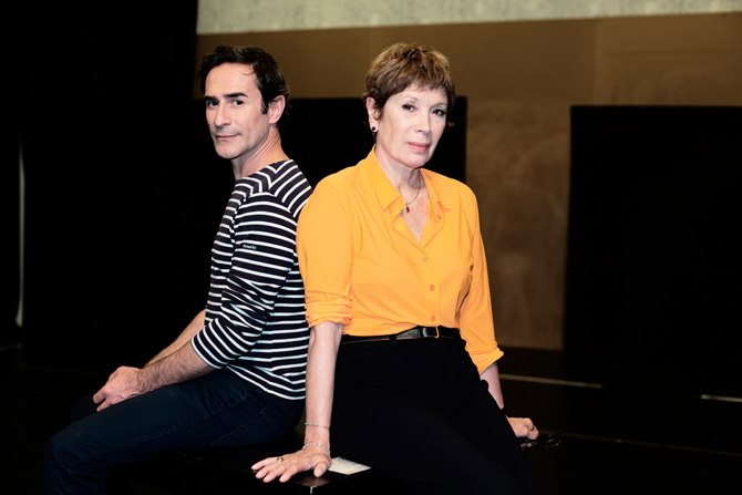 Photo :  Brigitte Lefèvre et Daniel San Pedro signent la mise en scène des Cahiers de Nijinski.