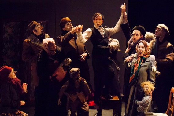 La formidable troupe du Révizor, réunie par la metteure en scène Paula Giusti Crédit visuel : Dominique Vallès