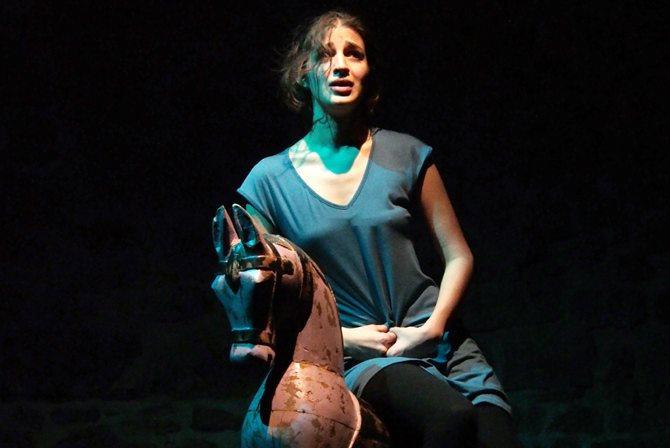 Lâleh, une fleur en partage - Critique sortie Théâtre Paris La Manufacture des Abbesses