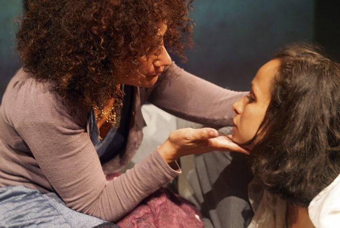 Braises - Critique sortie Théâtre Nogent-sur-Marne La Scène Watteau