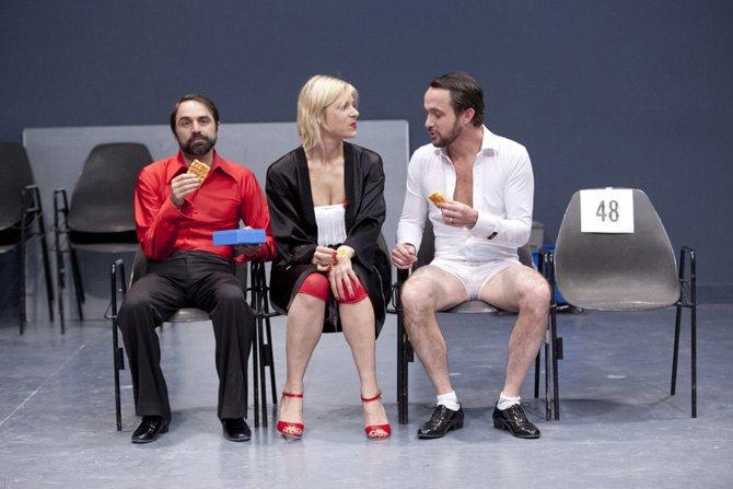 Les Guêpes de l'été nous piquent encore en novembre - Critique sortie Théâtre Paris Théâtre du Rond Point