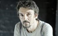 Le metteur en scène et comédien Stanislas Nordey. Crédit : Benoît Linder
