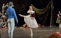 Légende : Myriam Ould-Braham et Karl Paquette dans Paquita. Photographie : Opéra national de Paris / Agathe Poupeney