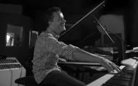 Son nouveau quartet se compose de Burniss Travis (basse), Lukmil Perez Herrera (batterie) et Adama Diarra (percussions). © Philippe Lévy-Stab