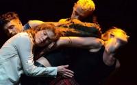 Lisbeth Gruwez dances Bob Dylan. © Klaartje Lambrechts