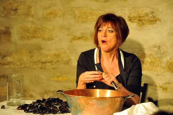 Ecoutez grincer les coquilles de moules - Critique sortie Avignon / 2015 Avignon Théâtre Au bout là-bas