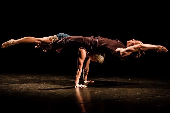 Knee deep - Critique sortie Avignon / 2015 Avignon Théâtre du Chêne Noir