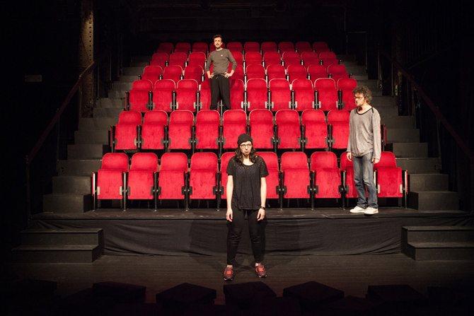 Le Réserviste - Critique sortie Avignon / 2015 Avignon Théâtre des Doms