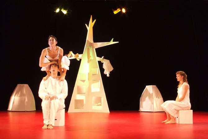 Ninika - Critique sortie Avignon / 2015 Avignon Théâtre Golovine