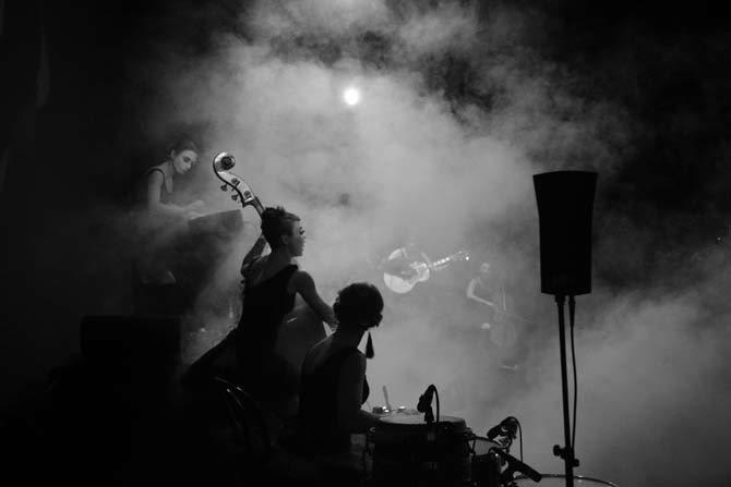 Dakh Daughters Band Freak Cabaret - Critique sortie Avignon / 2015 Avignon Théâtre du Chêne Noir