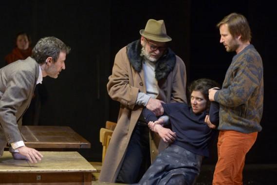 Benjamin Lazar et le Théâtre de l'incrédule offrent un éblouissant Dibbouk. Crédit photo : Pascal Gely