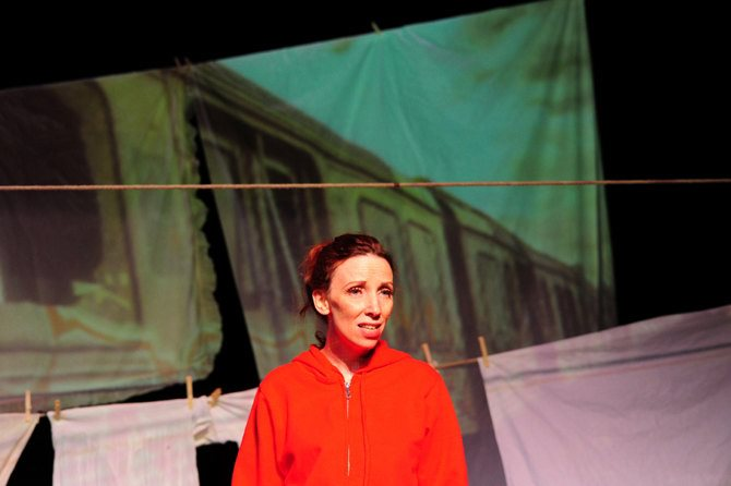 Quand je serai grande… tu seras une femme, ma fille - Critique sortie Avignon / 2015 Avignon Théâtre de l'Arrache-Cœur