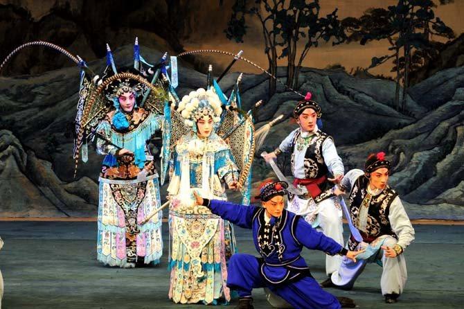 Les Femmes générales de la famille Yang - Critique sortie Théâtre Paris Théâtre de la Ville