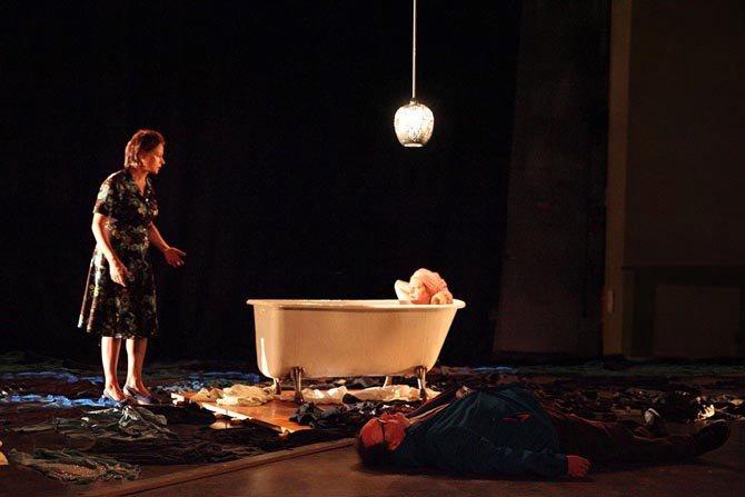 Outrages (l'ornière du reflux) - Critique sortie Théâtre Sartrouville Théâtre de Sartrouville et des Yvelines