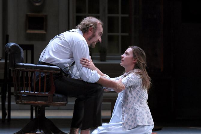 Père - Critique sortie Théâtre Paris Comédie-Française - Théâtre du Vieux-Colombier