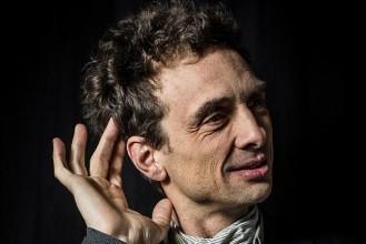 Musicien de jazz « à spectre large », Pierre de Bethmann enseigne au CNSM de Paris et a été en résidence à l'Opéra de Lyon, puis à L'Onde à Vélizy et à la scène nationale L'apostrophe de Cergy. © Christophe Charpenel