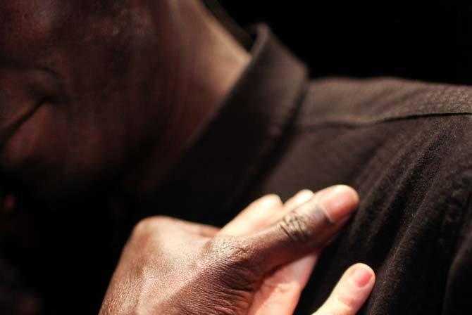 Nous ne sommes pas seuls au monde - Critique sortie Théâtre La Courneuve Centre Culturel Jean Houdremont