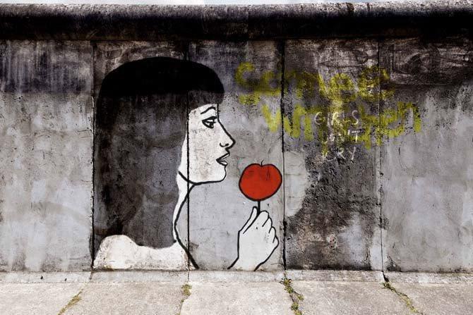 Blanche-Neige ou la Chute du mur de Berlin - Critique sortie Théâtre Montigny-le-Bretonneux Théâtre de Saint-Quentin-en-Yvelines