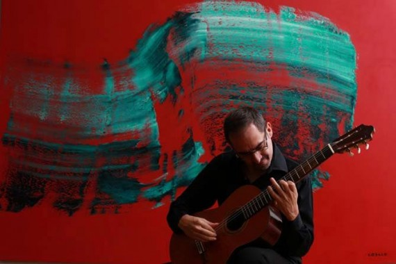 Le guitariste Pablo Marquez vient de réaliser, avec l'Orchestre de la Suisse italienne dirigé par Dennis Russel Davies, le premier enregistrement de Chemins V, pour guitare et orchestre de chambre, de Luciano Berio, en vue d'un prochain disque à paraître chez ECM.