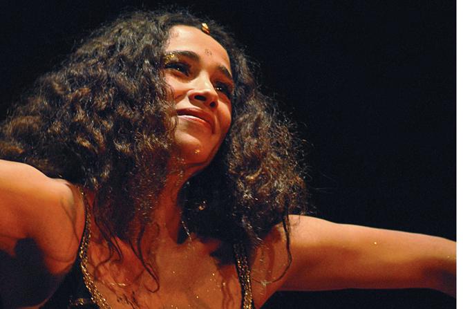Hommages à Oum Kalthoum et Edith Piaf - Critique sortie Jazz / Musiques Paris Philharmonie 2